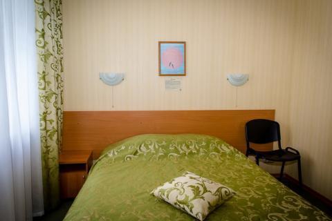 """Номер 2-комнатный """"Полулюкс"""" (корп. №1) забронировать, санаторий """"Солнечный берег"""""""