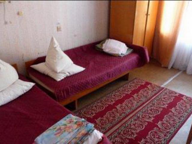 2-местный стандартный номер (без ТВ), санузел. Санаторий Кленовая гора.